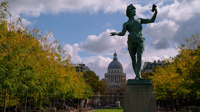 Living and Learning in Paris: Independent Stay and Study