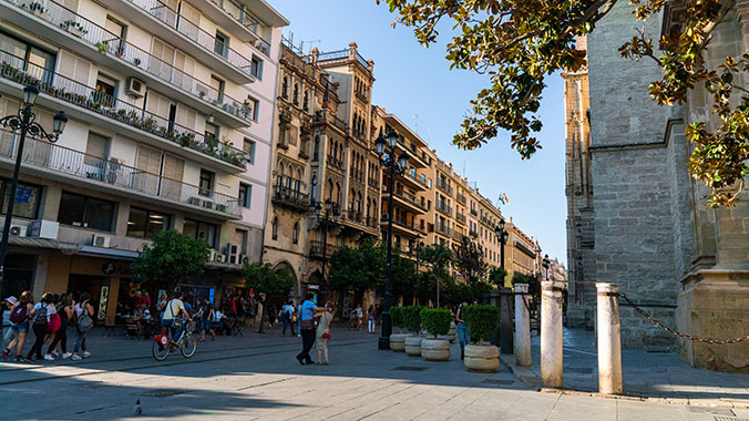 Living and Learning in Sevilla: Independent Stay and Language Study