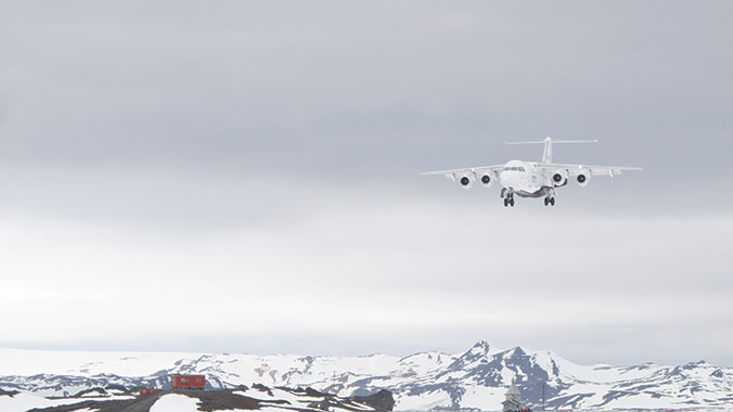 Mission to Antarctica: Fly to an Icy World of Discovery