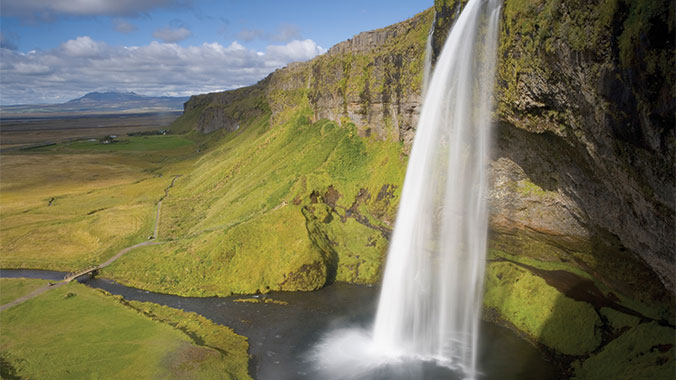 Sail to the Trails: Hiking Iceland's Most Beautiful Landscapes