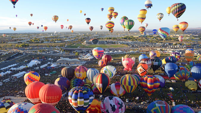 Albuquerque Balloon Fiesta, Santa Fe Art and Culture
