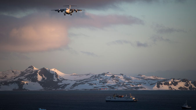 Expedition Antarctica: Fly to and Discover This Icy World