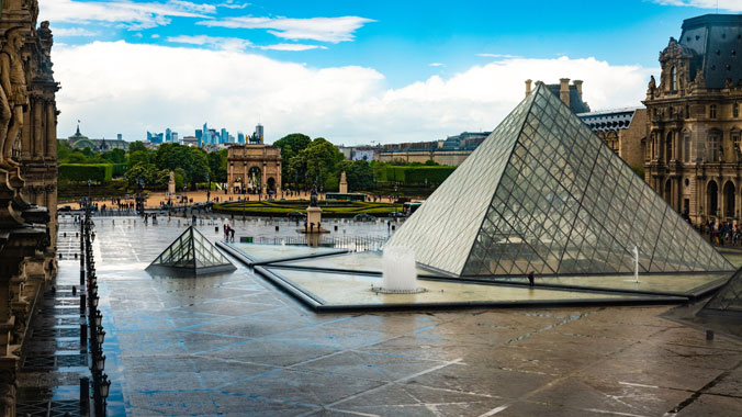 Adventures Online: The Art & History of Paris