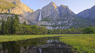 https://roadscholar-iv-prod.azureedge.net/publishedmedia/u9mj3ygltraiqnurvef8/19237-California-An-American-Icon-Majestic-Yosemite-National-Park-SmHoz.jpg